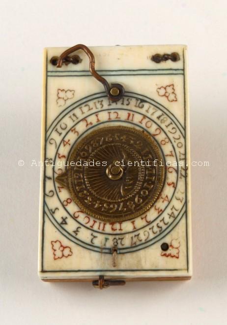 reloj-de-sol-antiguo-de-bolsillo